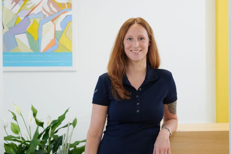 Mitarbeiterin in der Physiotherapiepraxis in Kempten